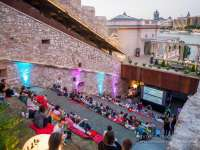 Nézz filmet a csillagos ég alatt! – Kertmozik Budapesten